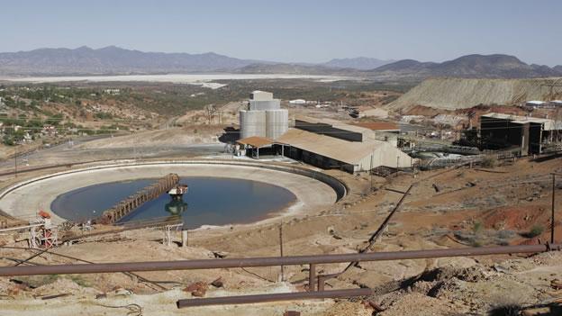 Mineros toman mina de Cananea tras derrame