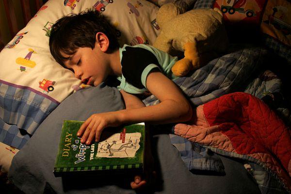 ¿Por qué tus hijos deberían dormirse todos los días a la misma hora?