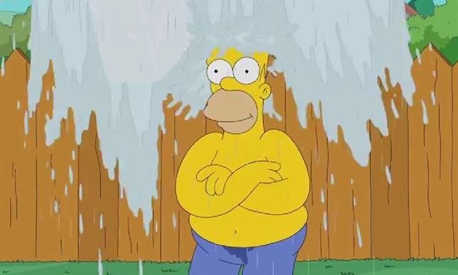 Homero Simpson se une al Ice Bucket Challenge