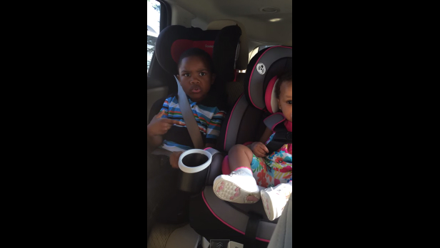 ¿En qué estabas pensando?: la reacción de un niño al embarazo de su mamá