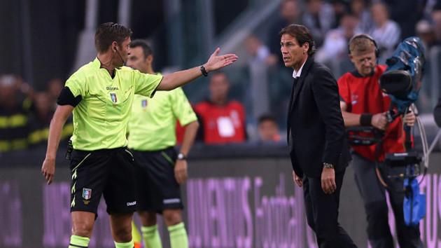 ¿Sabías que le pueden dar tarjeta roja al director técnico?