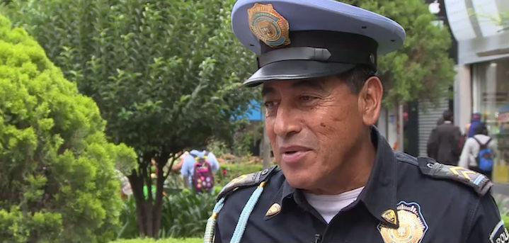 Policía del DF ¡habla seis idiomas!