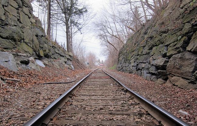 Empleado descontento decide chocar un tren de su empresa