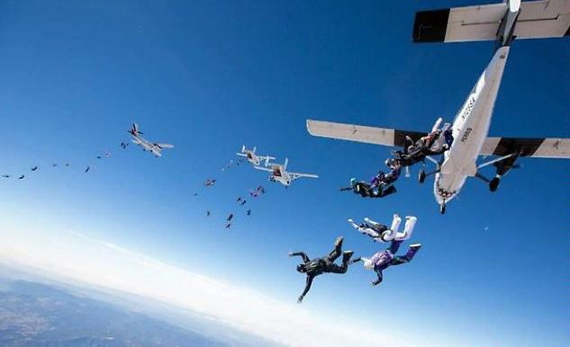 Estas mujeres rompen dos récords mundiales en el cielo