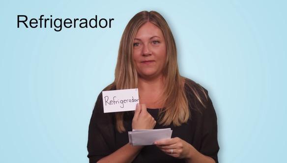 Mira lo difícil que es para alguien que habla inglés pronunciar el español