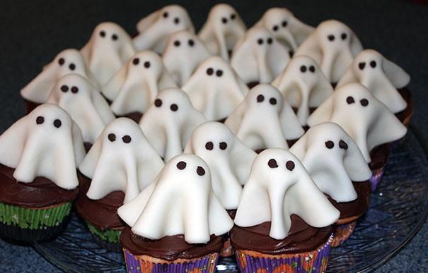 Espantosamente deliciosas decoraciones para cupcakes de Halloween