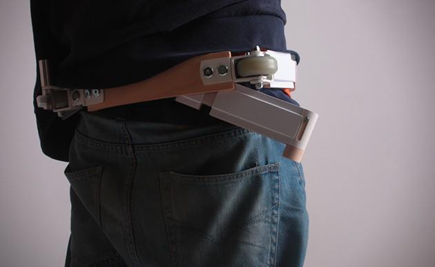 Este cinturón también es una patineta y sirve perfecto