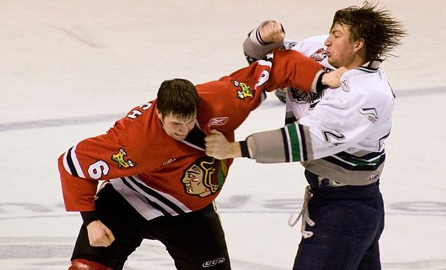 10 peleas en deportes que no son de peleas