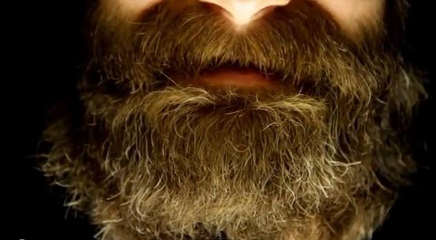 Aquí hay unas cosas que deberías saber sobre la caspa de barba