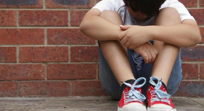 16 cosas que los niños víctimas de bullying hacen de adultos