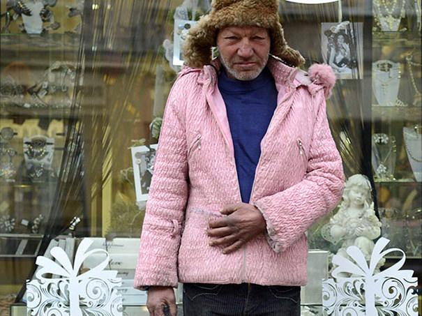 Fotógrafo captura imágenes del vagabundo con más estilo en Ucrania
