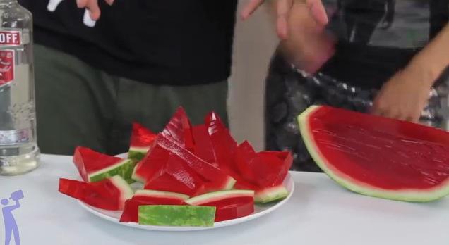 Estos shots de gelatina son buenísimos para tus fiestas