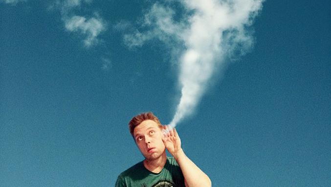 Markus Einspannier, el artista que crea divertidos escenarios con las nubes