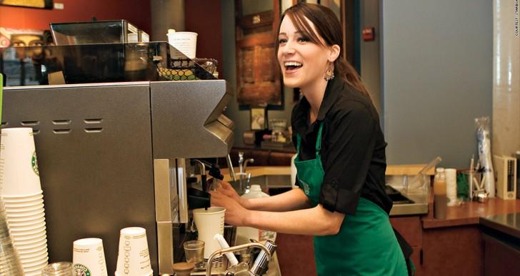 8 cosas que piensan las cajeras en Starbucks de ti en secreto