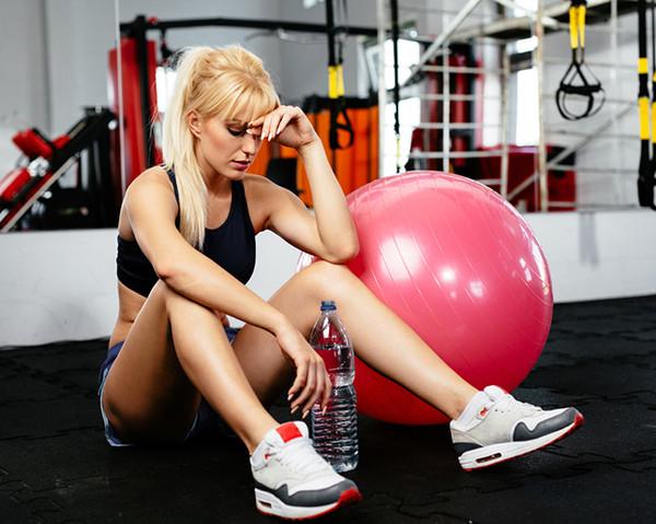 11 situaciones inc modas que s lo conocen las mujeres que for Gimnasio fitness las rosas