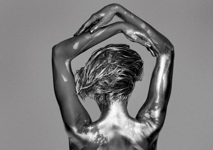 Desnudos plateados por Guido Argentini
