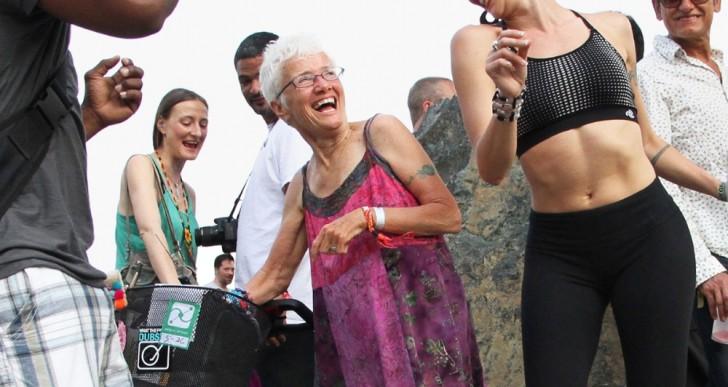 Esta abuela es más divertida que todos tus amigos juntos, conócela