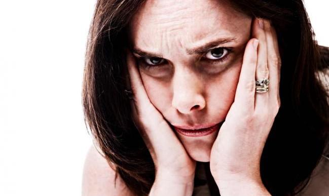 3 cosas que probablemente no sepas que te están causando esas horribles ojeras