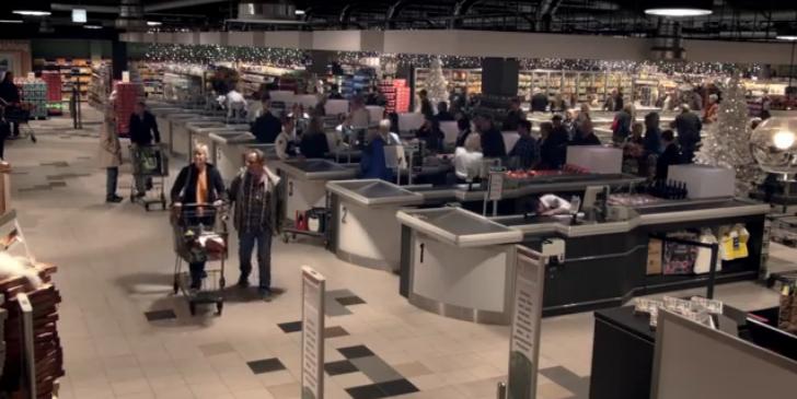 Este supermercado quiere contagiar a todos con el espíritu navideño