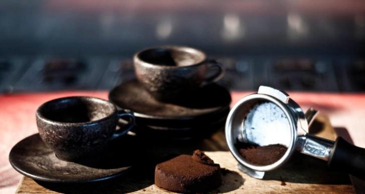 ¿Te gustaría tu café en una taza hecha de café?