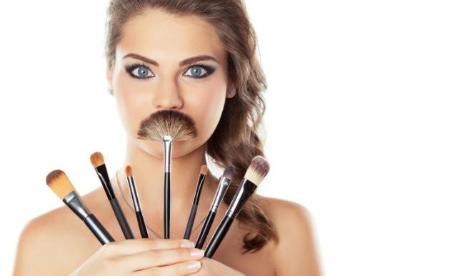 9 brochas de maquillaje que debes tener y saber para qué sirven