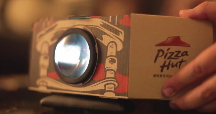 Las cajas de Pizza Hut se convertirán en este proyector para tu smartphone