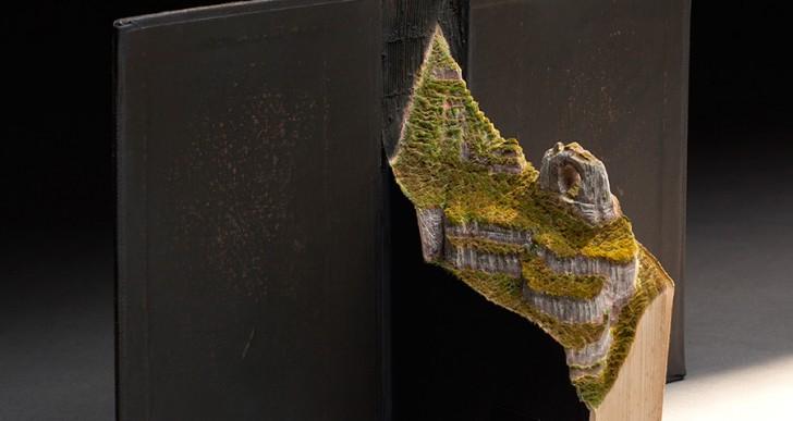 Guy Laramée retrata aves en libros y talla su hábitat en las hojas
