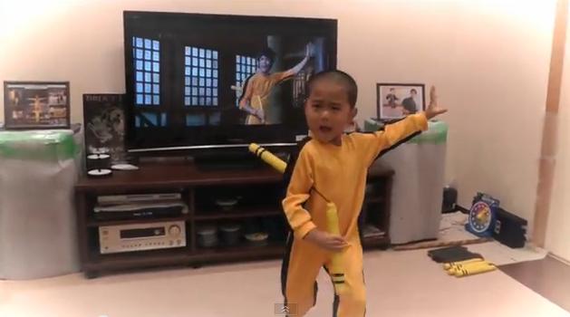 Mira a este pequeño y talentoso niño usar los chacos