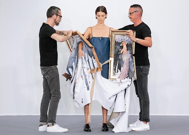 Asombrosos cuadros que se convierten en vestidos