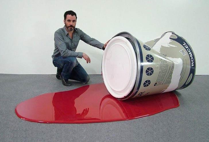 Macro: Los objetos gigantes de Rómulo Celdran
