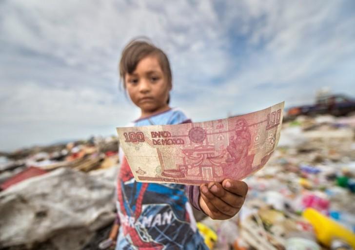 Los asombrosos «tesoros» encontrados entre montañas de basura