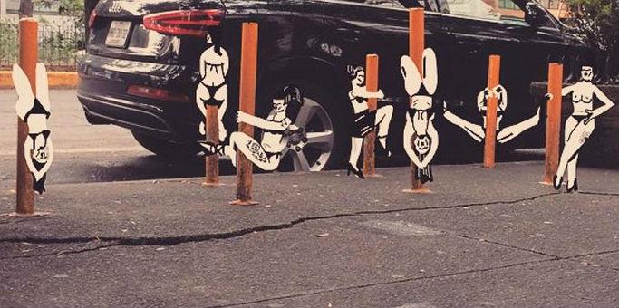 Extraños personajes en blanco y negro invaden las calles de México