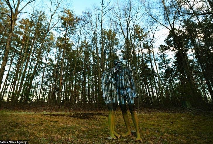Increíbles bodypaintings combinan a los modelos en los paisajes que los rodean