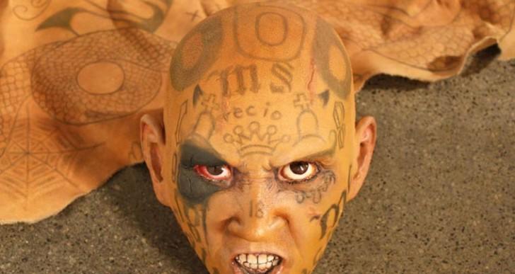 Bestias contemporáneas: pandilleros tatuados convertidos en alfombras de piel