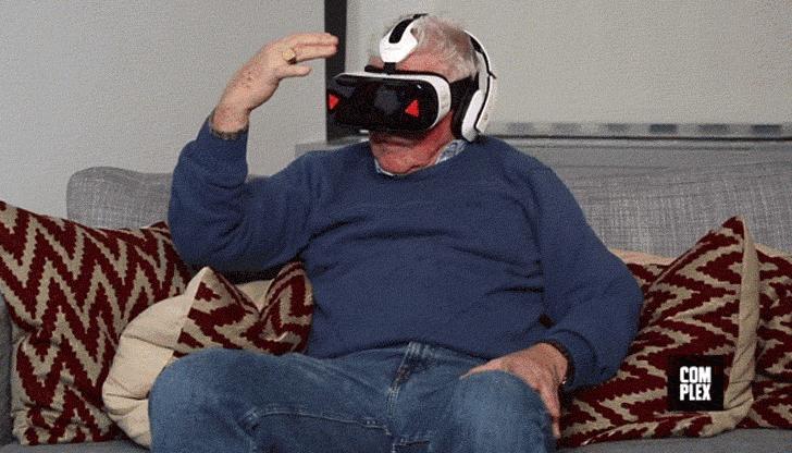Ancianos viendo porno en VR es lo más divertido que verás hoy