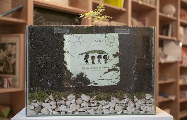 Un libro que se planta y crece un árbol