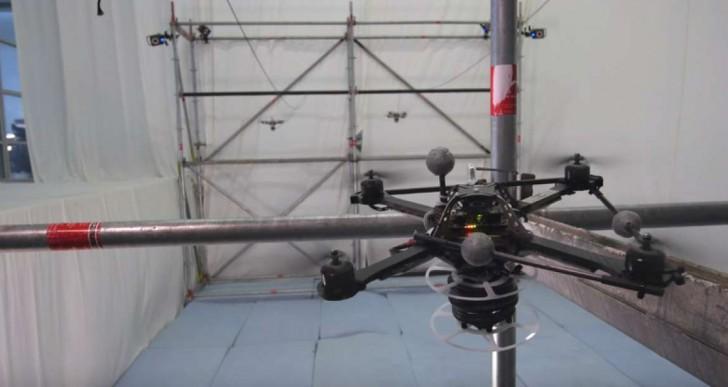 Mira cómo estos drones construyen un puente