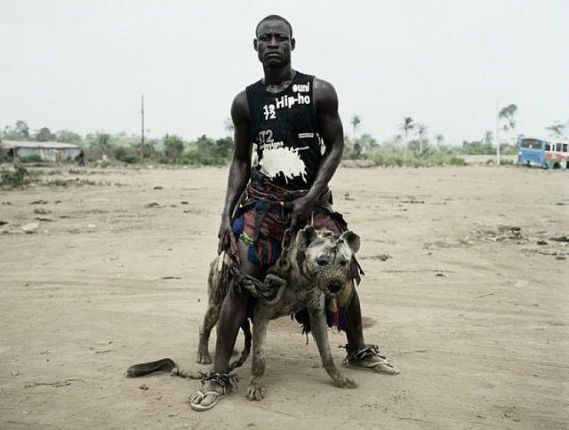 Las impresionantes fotos de los Hombres Hiena