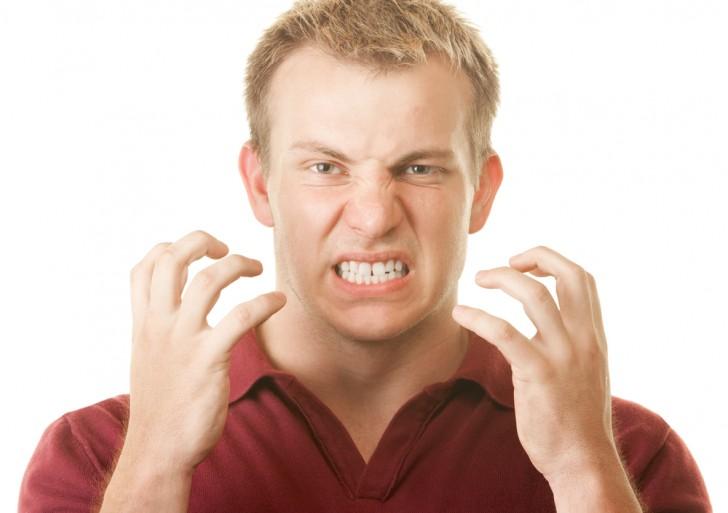 Por qué mueles los dientes de noche y cómo evitarlo