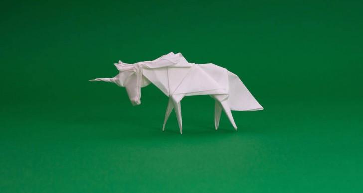 Enamórate de estas diminutas figuras de origami por Ross Symons