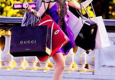 10 signos de que tienes una adicción a las compras