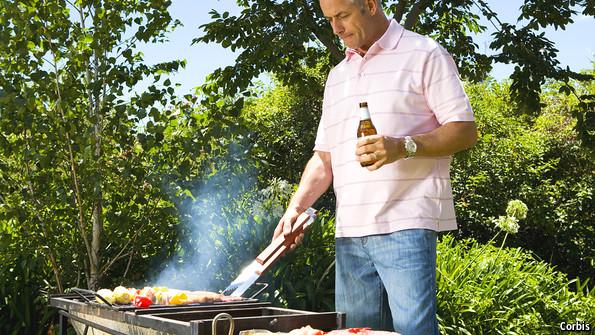 La cerveza disminuye el riesgo de cáncer al consumir carne