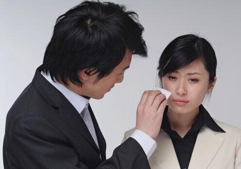¿Alquilarías a un hombre para que consuele tus tristezas?