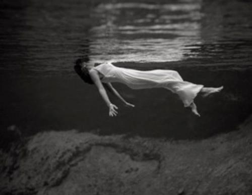 Este extraño síndrome te hará sentir como si estuvieras muerto en vida