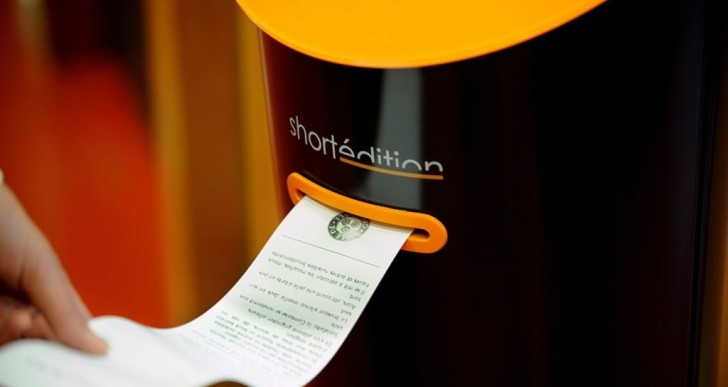 Esta máquina te regalará un cuento para que leas mientras vas en el metro