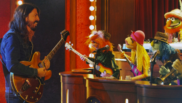 Mira a Dave Grohl tocar «Learn to Fly» junto a Los Muppets