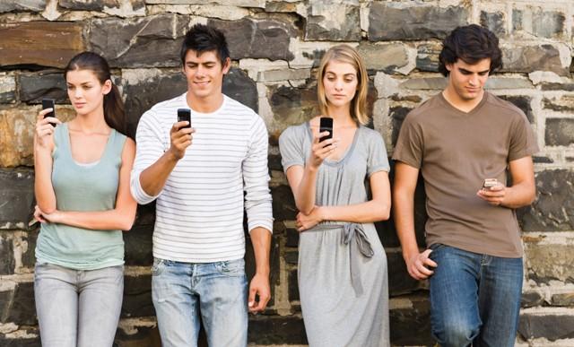 Manual de etiqueta para las conversaciones grupales en Whatsapp