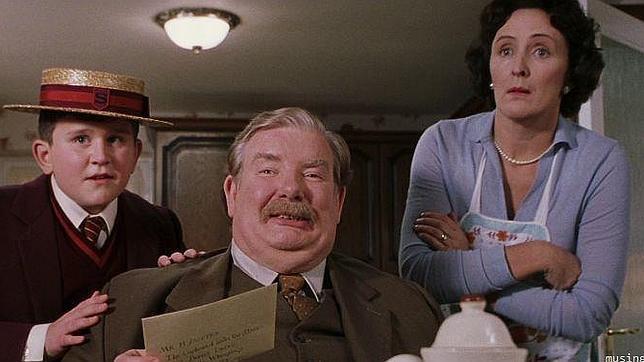J.K. Rowling confiesa por qué la familia Dursley odiaba a Harry