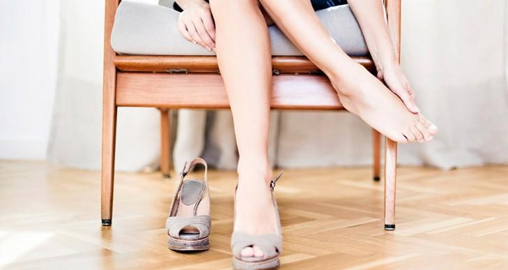 Las razones más comunes por las cuales te duelen los pies