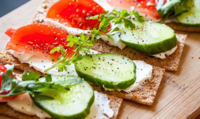 5 deliciosos snacks con queso untable